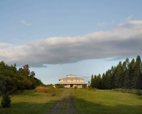 A view of Kalaekilohana Inn and Retreat from the road