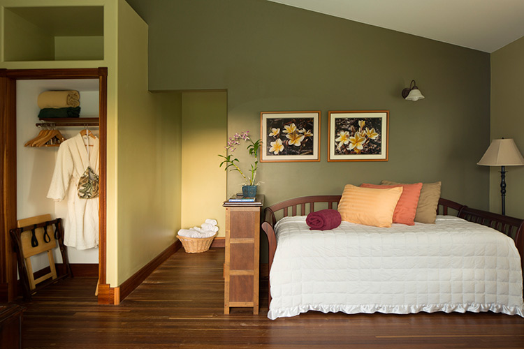 Avocado Suite at Kalaekilohana Inn & Retreat