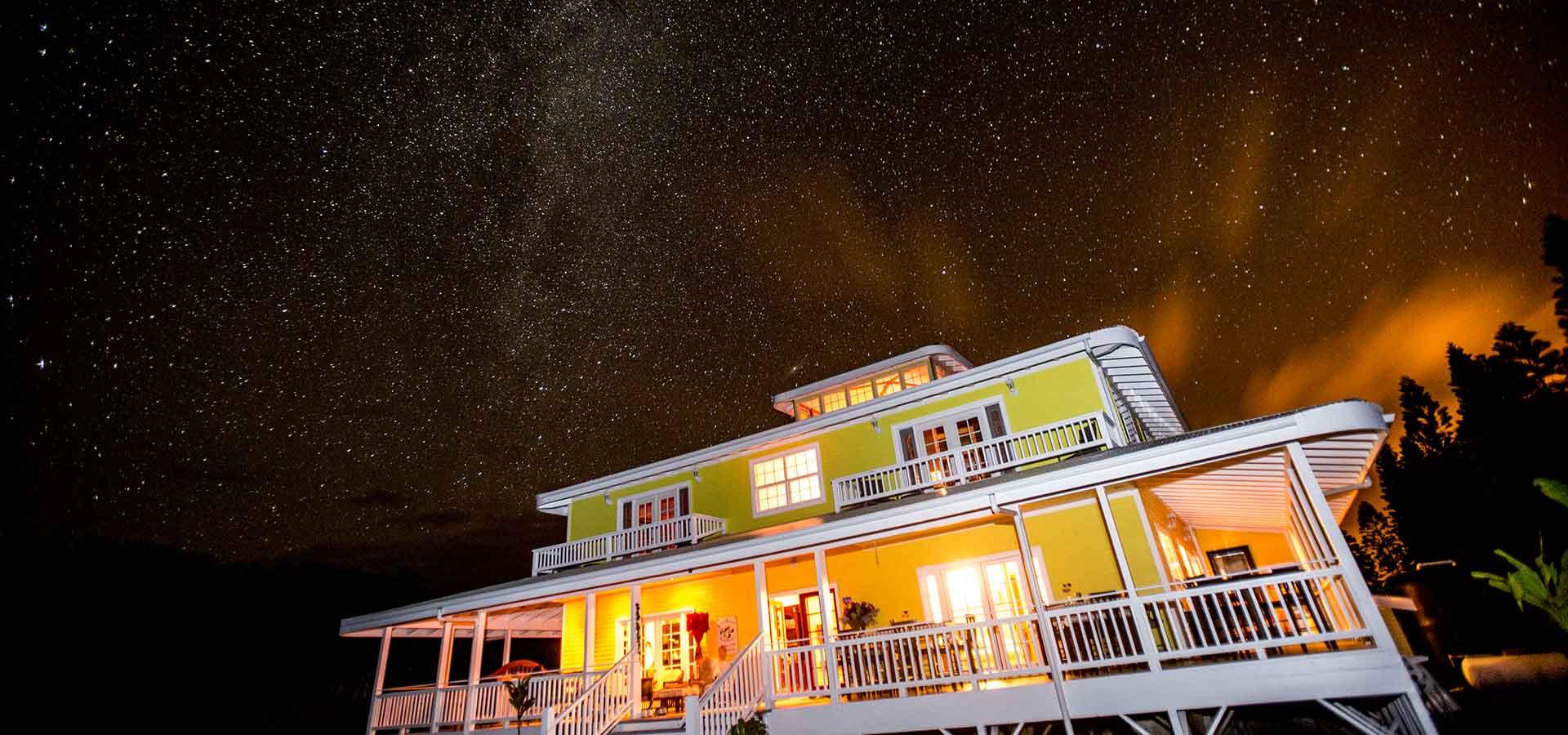the beautiful night sky and stars at Kalaekilohana Inn & Retreat at Na`alehu, Hawaii